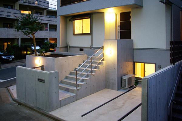 地下室付き住宅
